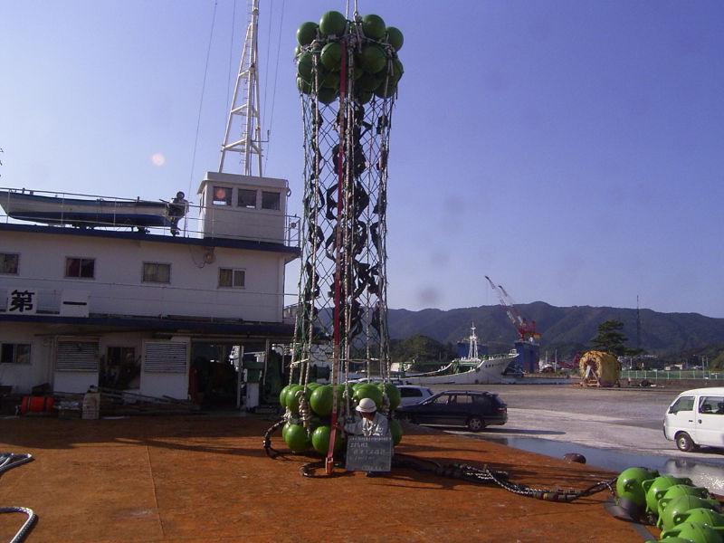 沖の島沖 中層浮魚礁設置工事