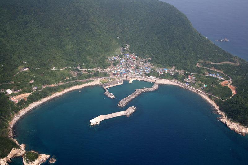 沖の島港湾設備機能強化工事